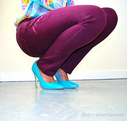 Dagny Zenovia: Vintage floral blouse + NYDJ maroon leggings + Shoe Dazzle blue heels + Aldo gold earrings